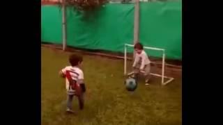 Er kann Fußball