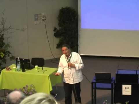 """Vortrag von Wolfgang Schröder """"Die Meisterkräutertherapie"""" beim FNL-Kräuterkongress in Linz."""