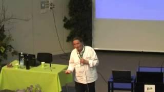preview picture of video 'Vortrag von Wolfgang Schröder Die Meisterkräutertherapie beim FNL-Kräuterkongress in Linz'