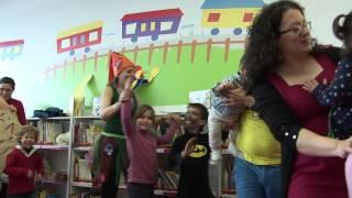 preview picture of video 'Lipdub de la red de Bibliotecas Públicas del Ayuntamiento de Madrid'
