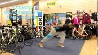 preview picture of video 'Paris-Nice, la chorégraphie de la flashmob Zumba à Mantes-la-Jolie (Cyclisme / Sport / Danse)'