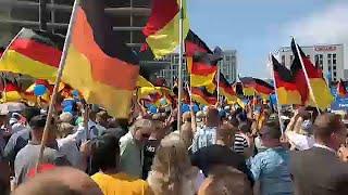 Ellentüntetők állták útját az AfD berlini tüntetésének