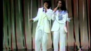 Donny   Marie Osmond - I'm Leaving It (All) Up To You.flv