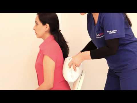 Utiliza una almohada o toalla como cojín ortopédico