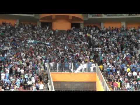 """""""Extremo Celeste aliento incondicional"""" Barra: Extremo Celeste • Club: Sporting Cristal • País: Peru"""