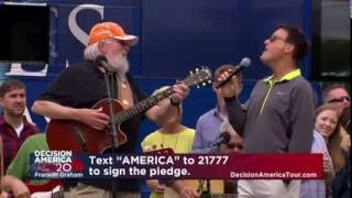 Charlie Daniels, Michael W. Smith Sing 'Amazing Grace' | Decision America Tour