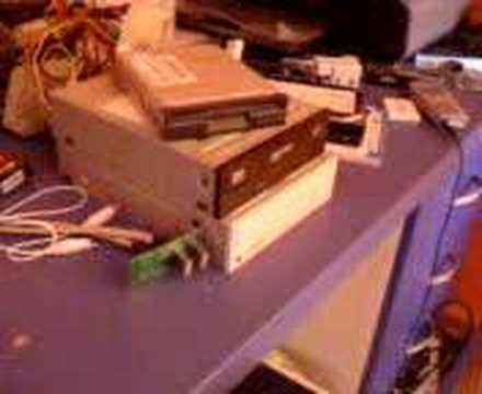 aprire e chiudere il cassetto del masterizzatore a tastiera