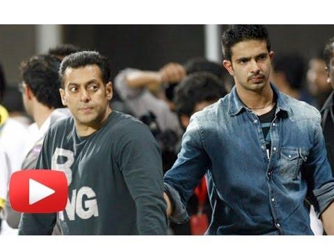 Salman Khan To Launch Sheras Son Tiger Hd Boompk