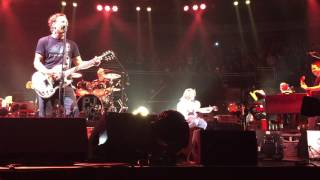 10-yr-old Guitar Player takes the stage w PEARL JAM!