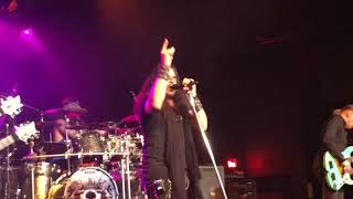 Sons of Apollo in Seattle: Just Let Me Breathe (Dream Theater Cover) - Bumblefoot singing!