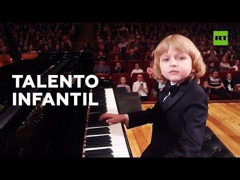 Video: La Pasión De Un Niño Por La Música