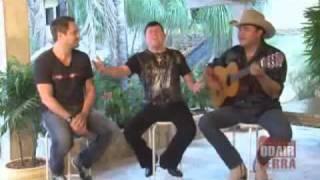 Felipe & Falcão - Deixa Eu Te Amar Por Favor