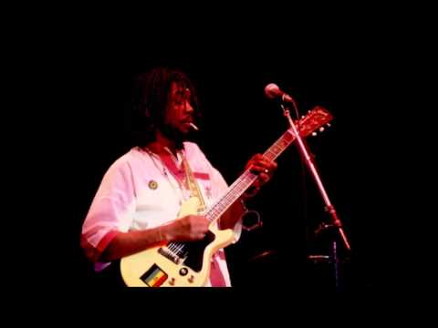 Peter Tosh – Live At Stadthalle Offenbach Germany (12/10/1983)