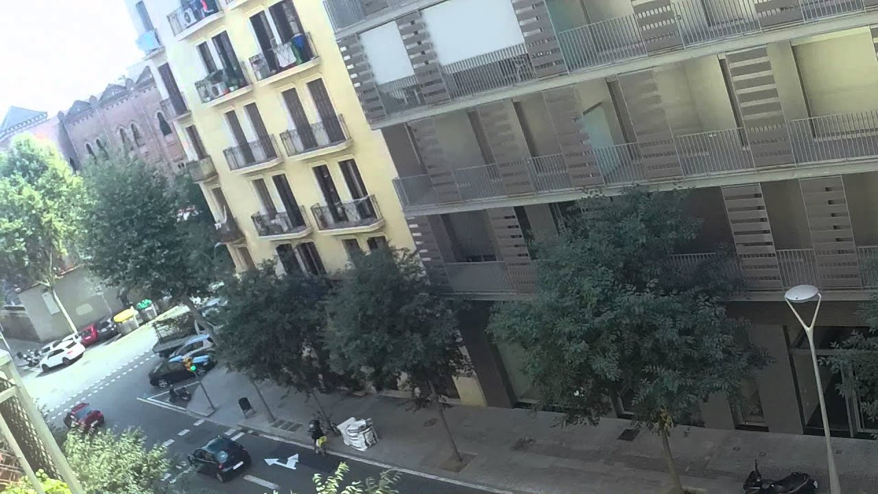 Furnished 3 bedroom apartment with AC and utilities inculded in Eixample Dreta district of Barcelona