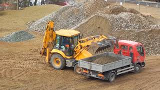 JCB 3CX in action