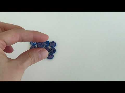 10 mm – 12 vnt. Rašalo mėlynos ir violetinės spalvų margos sagutės (BT264)
