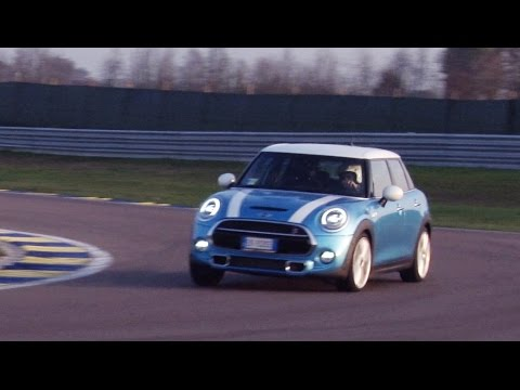 "MINI Cooper SD 5 porte | come divertirsi con ""poco""... (gasolio)"