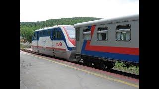 Девочка не в восторге от детской железной дороги в Южно-Сахалинске