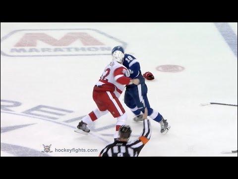 Ondrej Palat vs. Jonathan Ericsson