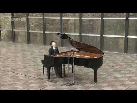"""""""Kiss the rain"""" bản nhạc Piano hay nhất mà tôi từng nghe..."""