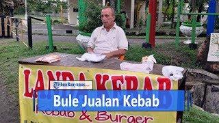Viral Bule Jualan Kebab di Cilacap, Ini Jawabnya Ditanya Kenapa Pilih Tinggal di Indonesia