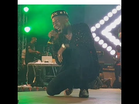 """Adekunle Gold Got Fans Emotional As He Sings His New Song """"Ire"""" During His Performance At  Gidi Fest"""