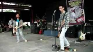 ARC YELLOW - FEELING GOOD LIVE @WONDERIA SEMARANG GRUNGE UNITED