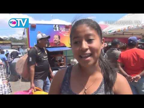 Mujeres Comerciantes celebran su día con salud y belleza