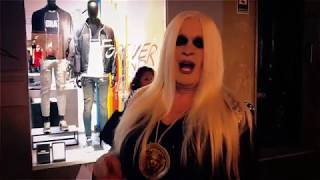 WE FAKE - A Day With Donatella