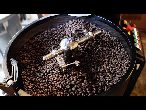 원두를 직접 볶아서 만드는 커피 카페 / a coffee cafe that roasts and sells coffee beans