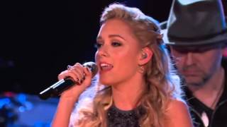 17-Year Old Emily Ann Roberts Sings Duet With Blake Shelton - The Voice