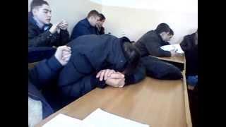 Molovata doarme la lectie 2 :)))