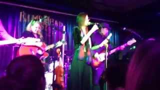 10,000 Maniacs - Dark Eyed Sailor (clip) live 2015-04-04