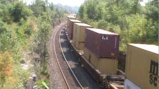 preview picture of video 'Railfanning Napanee Ontario - August 5 2010'