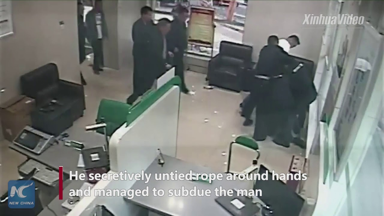 Спецназовец схитрил, чтобы освободить заложницу