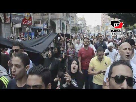 مسيرة لتجار بورسعيد تطالب السيسي انقاذهم من الموت