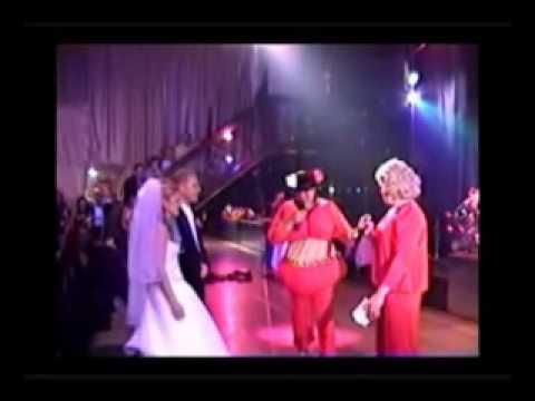 Дунька и Клава на свадьбе