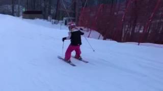 Kyara skiing