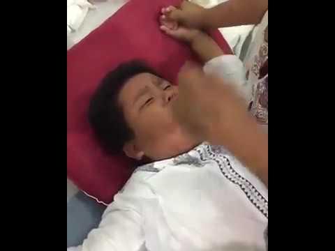 Anak kecil pingsan ketika di sunak.. Bikin ngakak