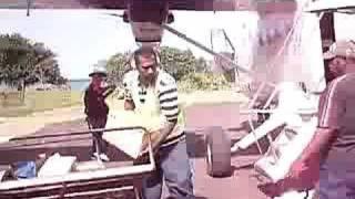 preview picture of video 'Norsup Airport, Malekula, Vanuatu baggage'