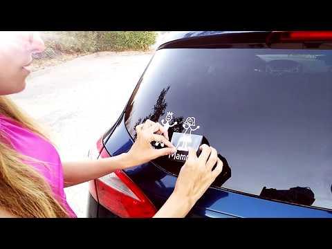 Adesivi auto, come si attaccano sul lunotto posteriore