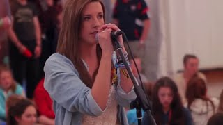 Anna Kendrick - When I'm gone (600 students at Coláiste Lurgan !)
