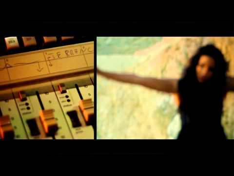 STEREOSCOPE COLLECTIVE feat. GAELA BROWN and TERRANCE IILLANOIZ CARTER - GLITCHY GIRL