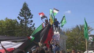 Палестинцы празднуют подписание примирения