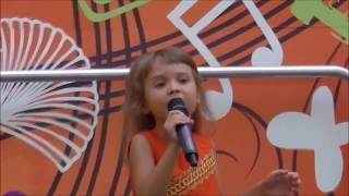 ЧТО МЕНЯ ЖДЕТ - песня МОАНЫ - Ксюша Коваленко, 6 лет