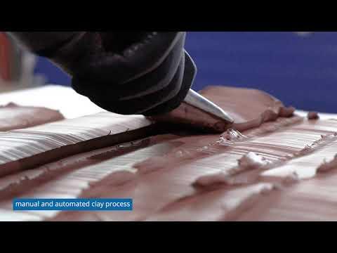 Automatischer und manueller Einsatz der Clay Application Machine