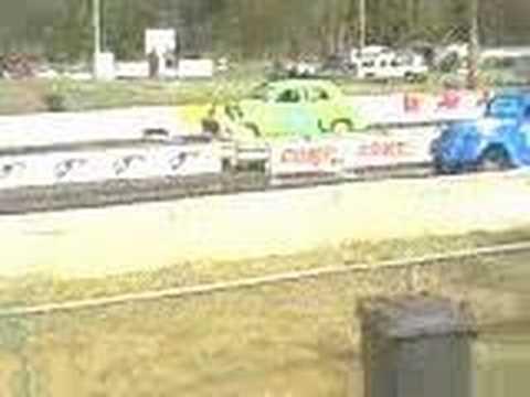 FJ Holden at the eighth mile drag strip