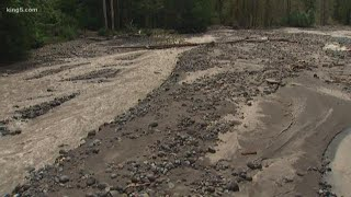 Debris flow carrying mud, rocks closes Mount Rainier park road