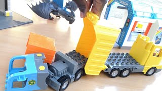 Trucks At The Car Wash! Dump Truck Garbage Truck Dragon Garage Assembly Toy For Kids Lego Playmobil