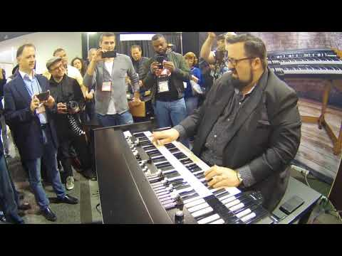 NAMM 2018   Joey DeFrancesco plays Viscount Legend Organ